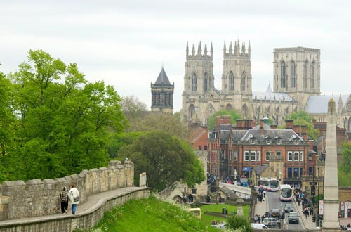 York city and walls